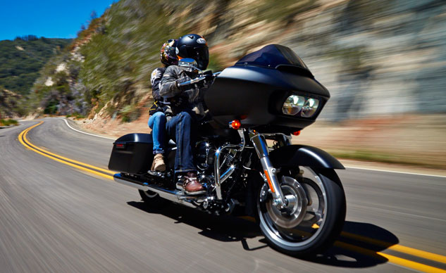 2015 Harley-Davidson Road Glide First-Ride Review + Video
